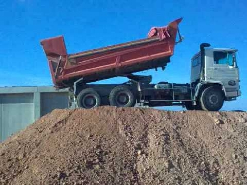 Caminhão de Areia Média Preço na Riqueza - Areia Média em Sp