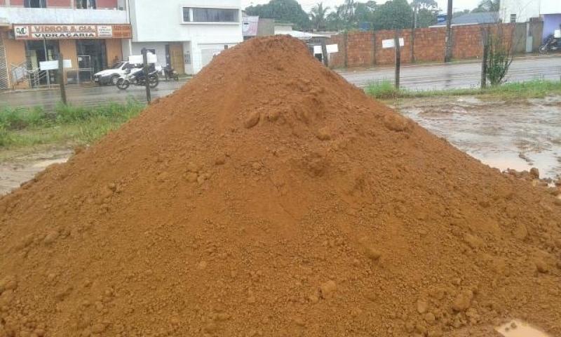 Carrada de Areia para Alicerce Corrupira - Carrada de Areia Lavada