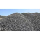 carrada de pedra para construção no Suzano
