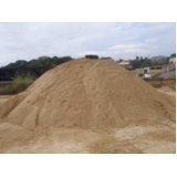 carradas de areia para construção no Núcleo Residencial Princesa D'Oeste