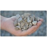 pó de pedra em sacos